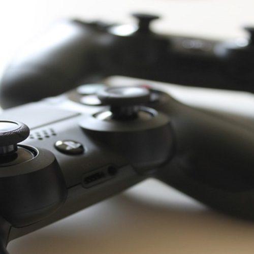 پروانهی انتشار و رده بندی سنی ۷۴ بازی رایانهای
