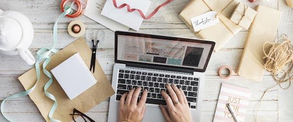 درآمدزایی از شبکههای مجازی و اینترنتی