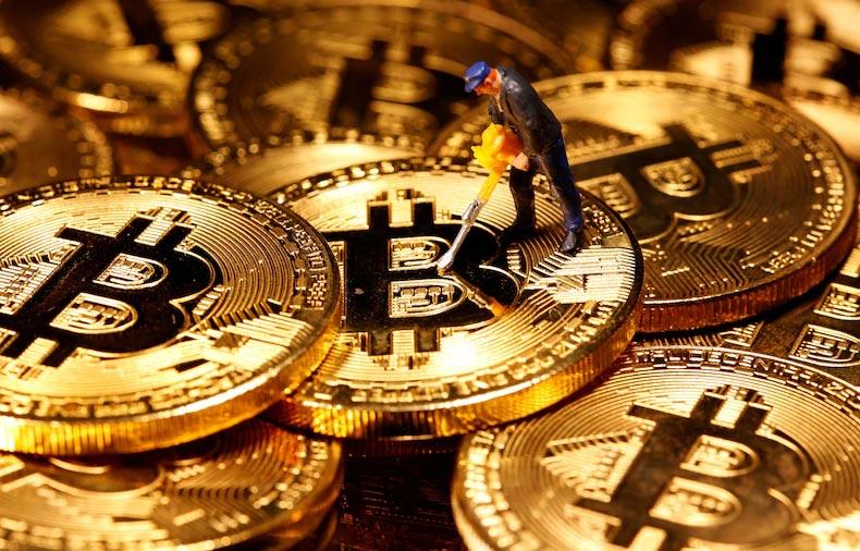 ارزهای دیجیتال رمز ارزها کاهش قیمت بیت کوین