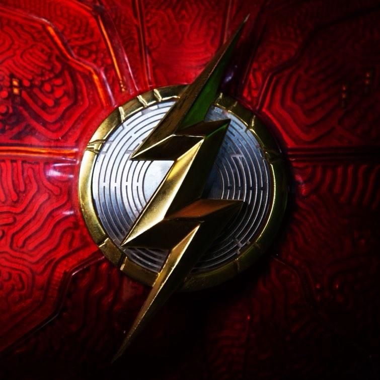 تصویر جدید لوگو فیلم The Flash